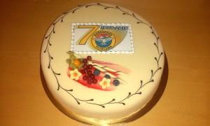 Marsipankake må til når klubbens 70-årsjubileum skal feires.